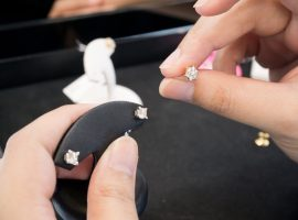 How Big Should Diamond Stud Earrings Be?