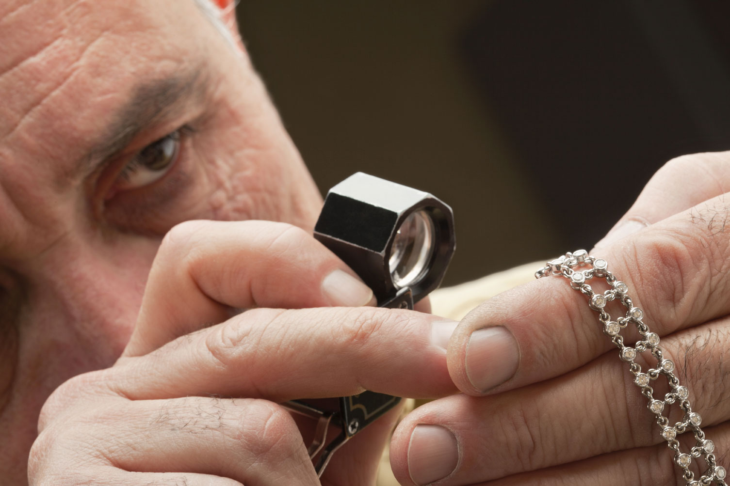 how to become a jewelry appraiser dmia