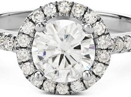Which is Better a Diamond or Moissanite Engagement Ring?